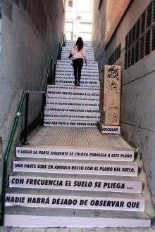 foto de instalación en escaleras. Festival Iturfest 2015